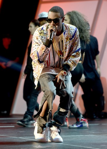 Soulja Boy kicked off the evening with an amazing performance with tons of style.
