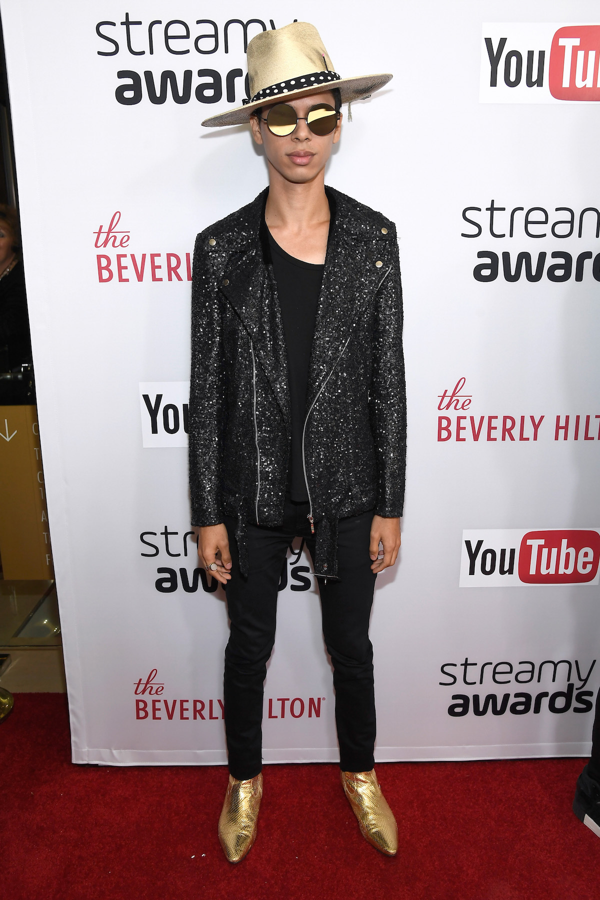 Photo Gallery: 2016 Streamy Awards Red Carpet Arrivals | The
