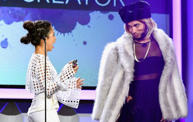 Joanne the Scammer Scams Her Way Through the Streamys